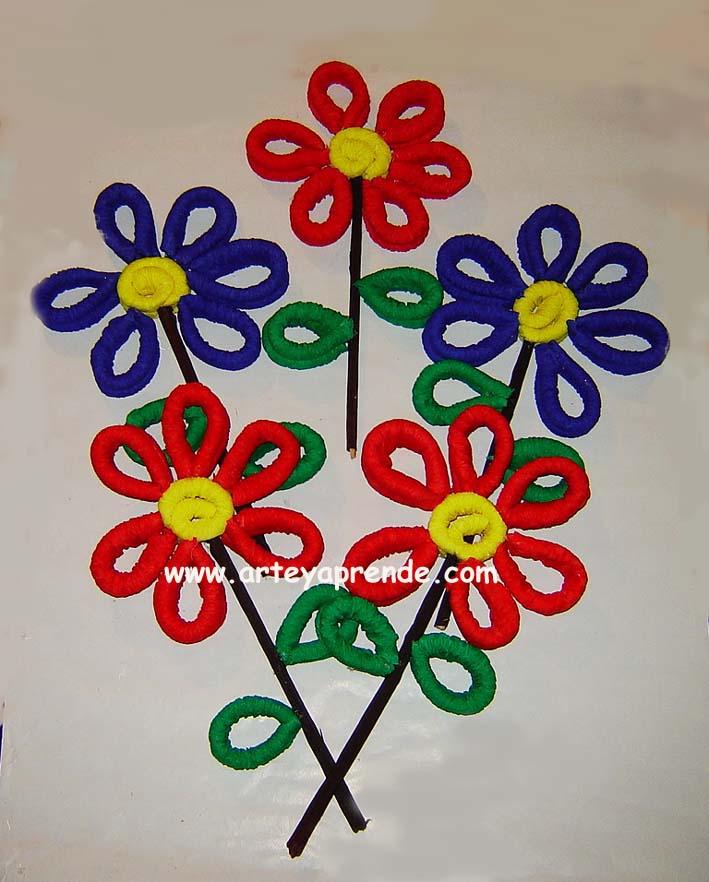 Ideas para jugar y festejar tutorial como hacer flores for Manualidades con papel crepe